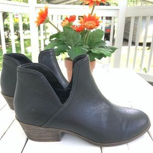 Ankle boots pre-loved